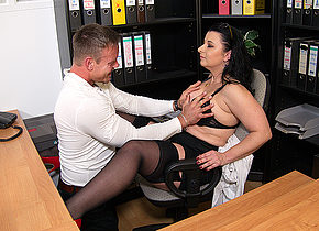 This German cougar gets fucked at the office until she squirts