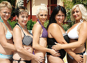 Five old and young lesbians go wild at the pool