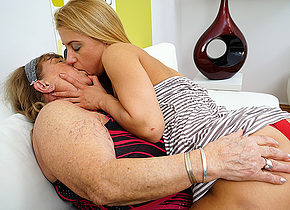 Hairy hot babe doing a very naughty mature lesbian BBW